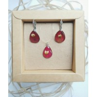 Set of jewelry in red colour